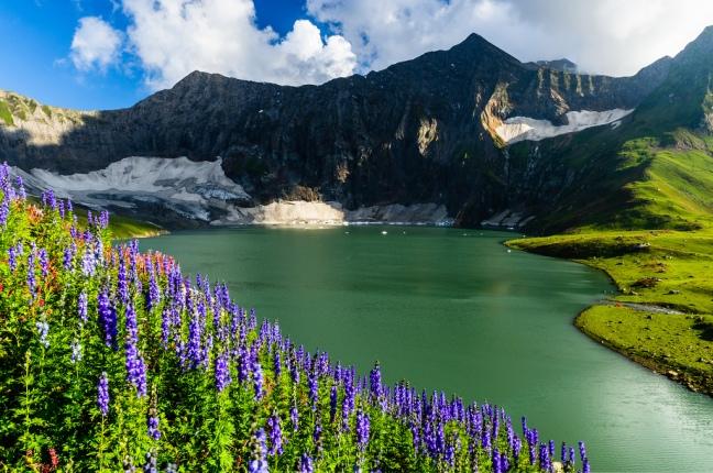 02Dowarian Lake, Azad Kashmir Pakistan.jpg